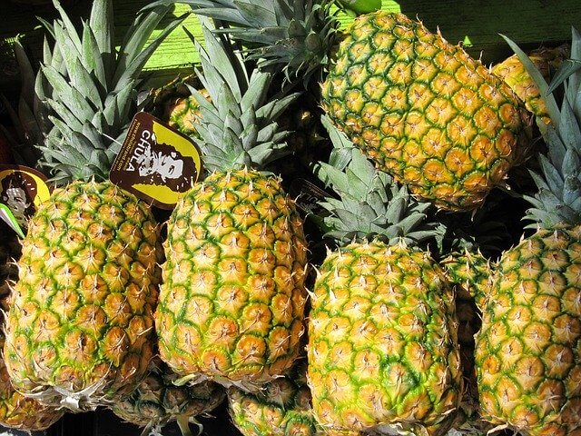 How to Pick Ripe Pineapple