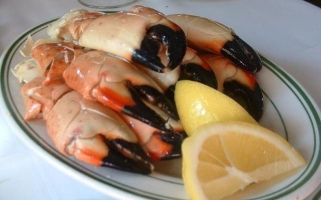 What does Stone Crab Taste like